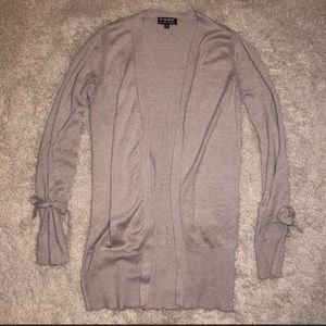 6/$20 Poof! Size small cardigan